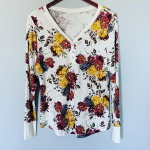 Time and Tru Pretty Floral Thermal Top